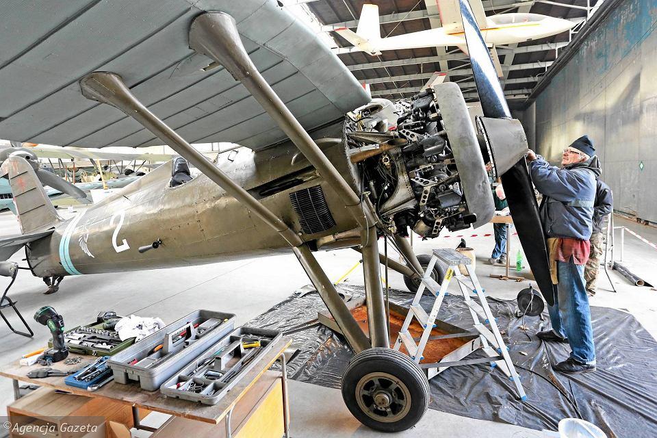 [MIRAGE] PZL P-11c .121 Eskadra Mysliwska, III/2 Pulk Lotniczy : Skończone Réf 48102  Z1955411