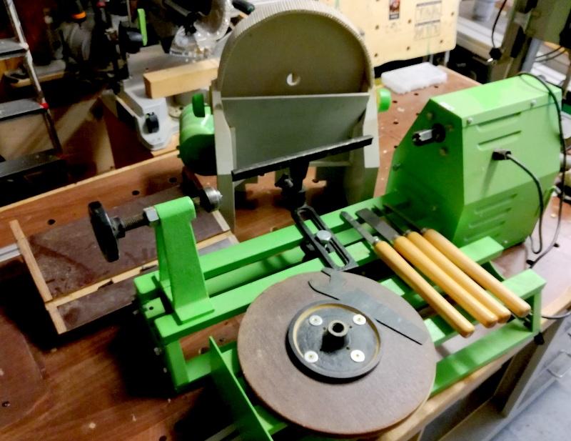 Vends tour à bois avec accessoires Img_2010