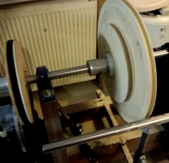 Réalisation de futs de batterie en bois tourné - Page 5 Img_2030