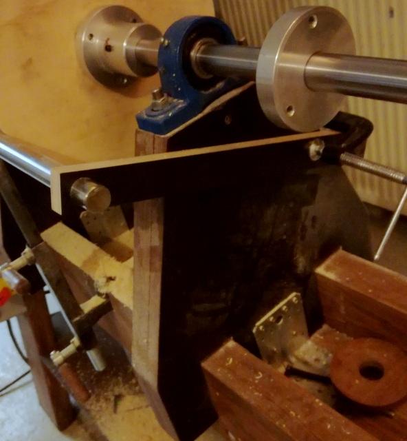 Réalisation de futs de batterie en bois tourné - Page 5 Img_2031
