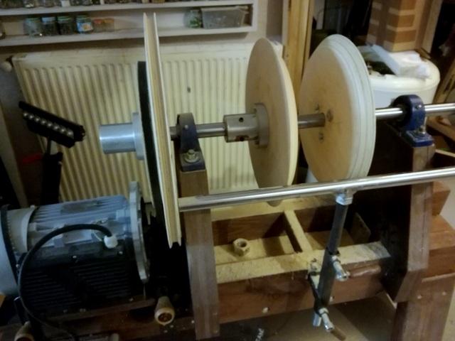 Réalisation de futs de batterie en bois tourné - Page 5 Img_2032