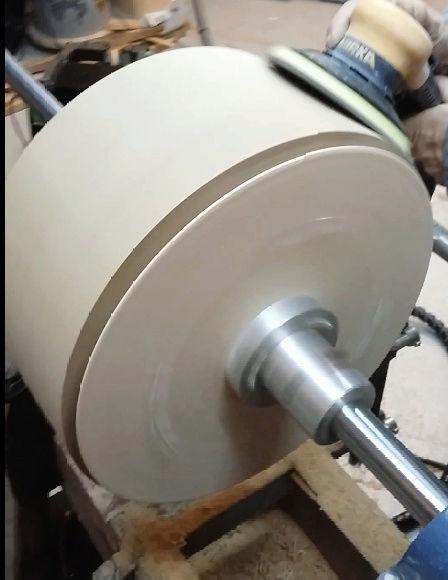 Réalisation de futs de batterie en bois tourné - Page 6 Poncag10
