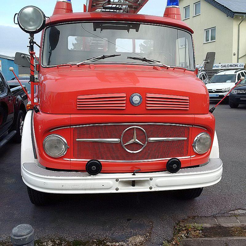 Mercedes-Benz 710 Drehleiter - auf dem Parkplatz schnappgeschossen Img_2023