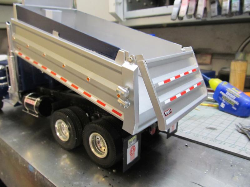 Kenworth W900 Dump Truck (Revell 07406) Maßstab 1 zu 25 Img_6010