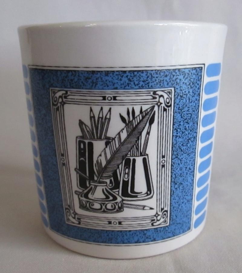 A Crown Lynn Bathroom Tumbler & Pen Pot Shape 3621 Img_5023