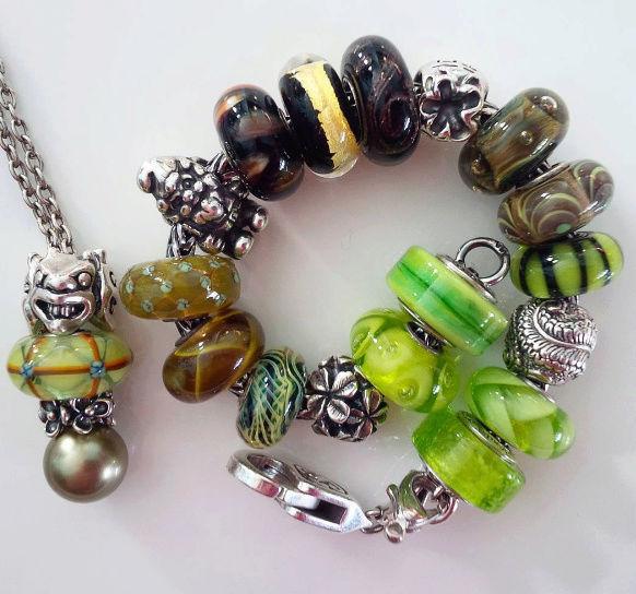 Show me your fantasy necklace! Neckla12