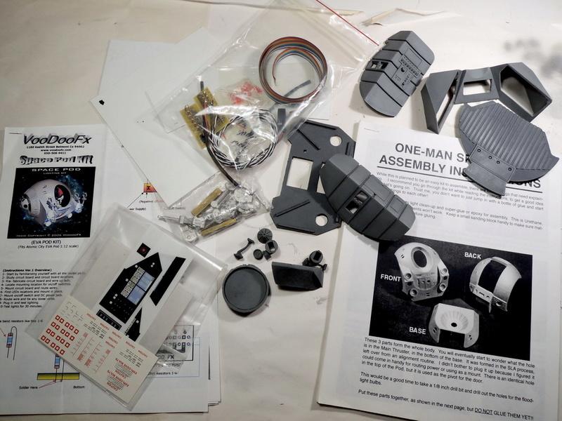 2001 One Man Space Pod 0210