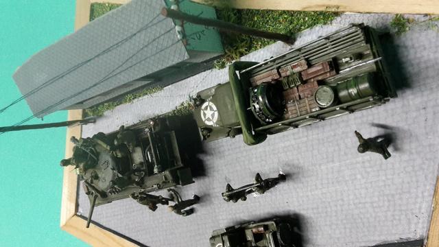 EN PANNE : Sherman M4-A1 [ ESCI ] + Jeep 1/4 t [ ITALERI ] + GMC 2,5 ton (Academy) Figurines [AIRFIX] (Diorama 1/72° FINI) 1_3_co11