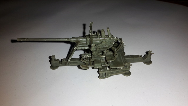 Canon Bofors de 40 mm. (Wrzesien) --1/72  20161024