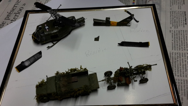 David vs Goliath- Vietnam 1960----HUEY UH-1 iroquois (en métal) + canon 40 mm Bofors et camion Praga RV  (Wrzesien) 1/72---FINI 20161040