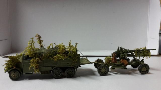 David vs Goliath- Vietnam 1960----HUEY UH-1 iroquois (en métal) + canon 40 mm Bofors et camion Praga RV  (Wrzesien) 1/72---FINI 23oct-17