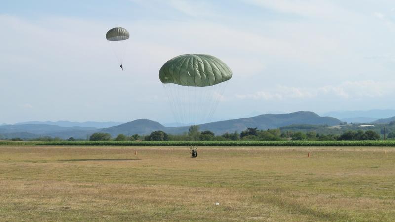 Stage et brevets avec Airborne Center à Pamiers  P1080521