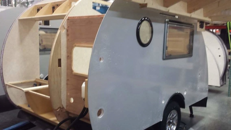 Quelques Photos de la fabrication des roulottes Pleasant Valley Teardrop Trailers Tmp_2237