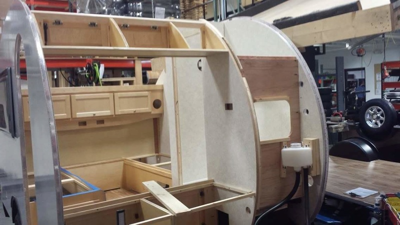 Quelques Photos de la fabrication des roulottes Pleasant Valley Teardrop Trailers Tmp_2242