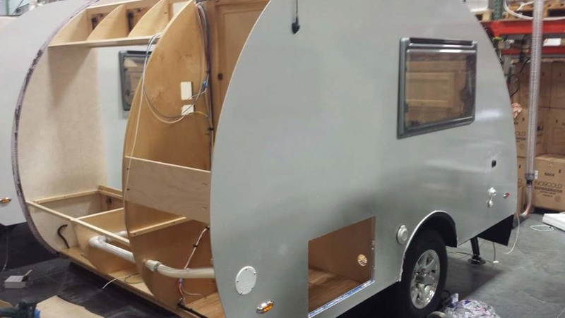 Quelques Photos de la fabrication des roulottes Pleasant Valley Teardrop Trailers Tmp_2245