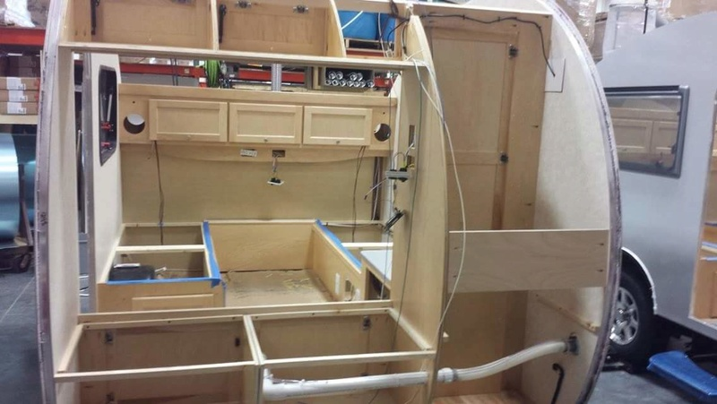 Quelques Photos de la fabrication des roulottes Pleasant Valley Teardrop Trailers Tmp_2248