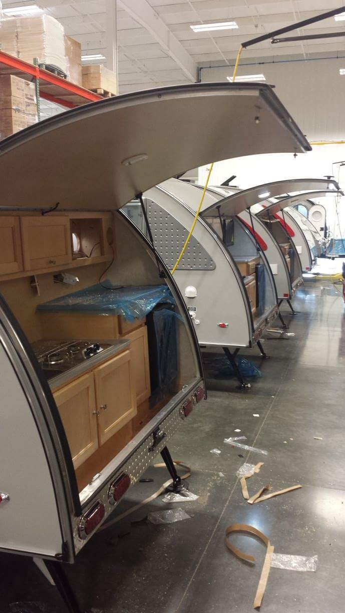 Quelques Photos de la fabrication des roulottes Pleasant Valley Teardrop Trailers Tmp_2255