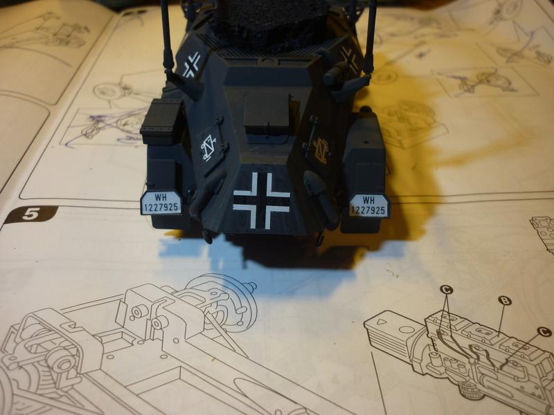 Front de l'Est en hiver (SdKfz 223 1/35 Tamiya + personnages Dragon et Tank) - Page 5 P1070017