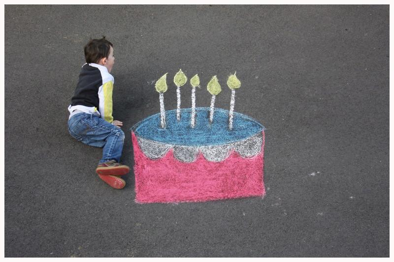 montage anniversaire gâteau à la craie. 11010_10