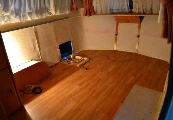 Un sommier maison pour un lit confortable - Page 3 04_vid10