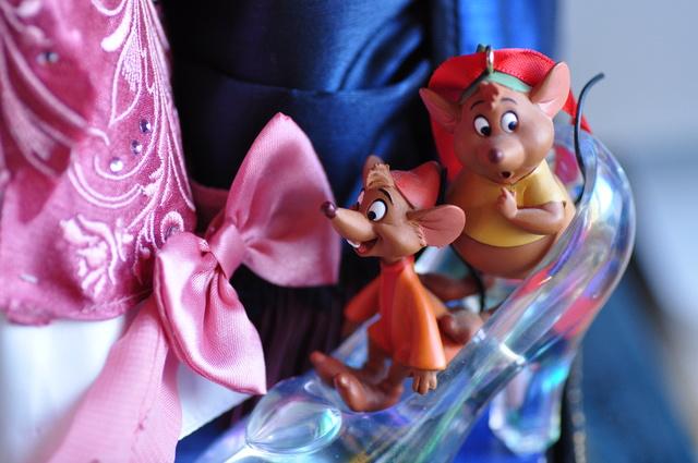 Nos poupées Designer en photo - poupée de la semaine - Page 37 Dsc_1024
