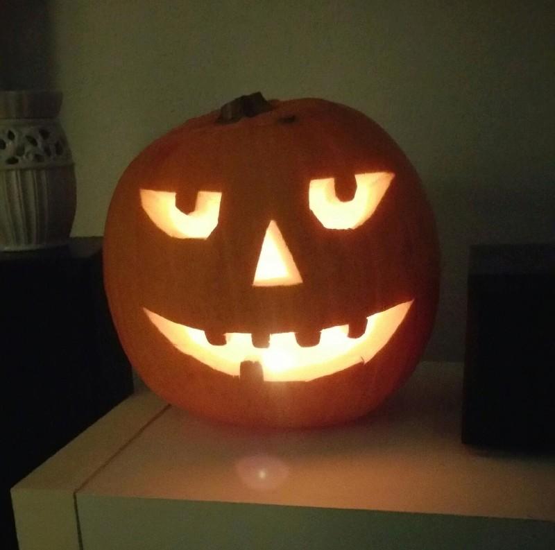 j'adore Halloween ...je déconne ..  477310