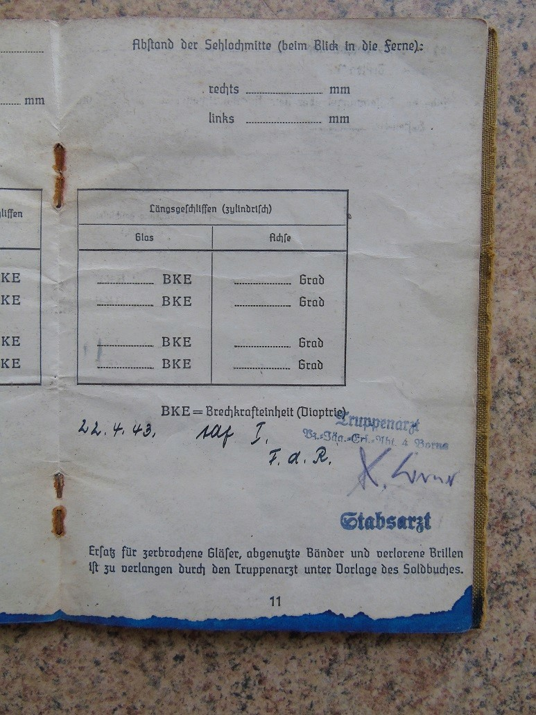 Traduction d'un Soldbuch Panzer allemand WW2 Dsc01139