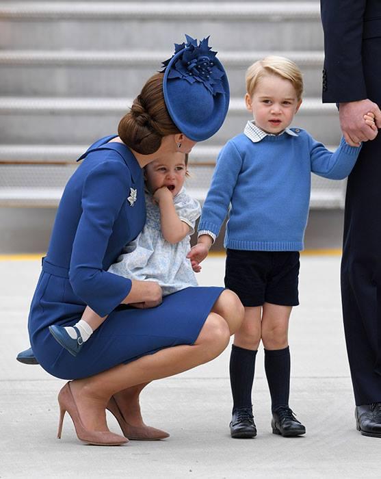 Маленький принц и его родители плюс сестричка - Страница 3 Ae310