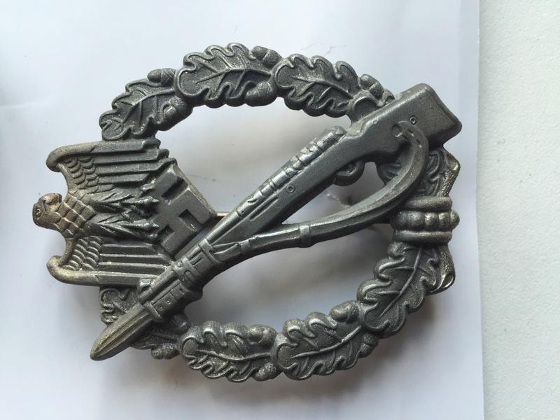 mise à jour de mes médailles et badges allemand - Page 2 Img_5510