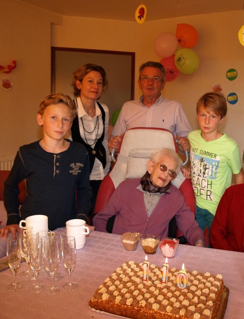 Preuves de vie sur les personnes de 110 ans et plus - Page 10 Marie_10