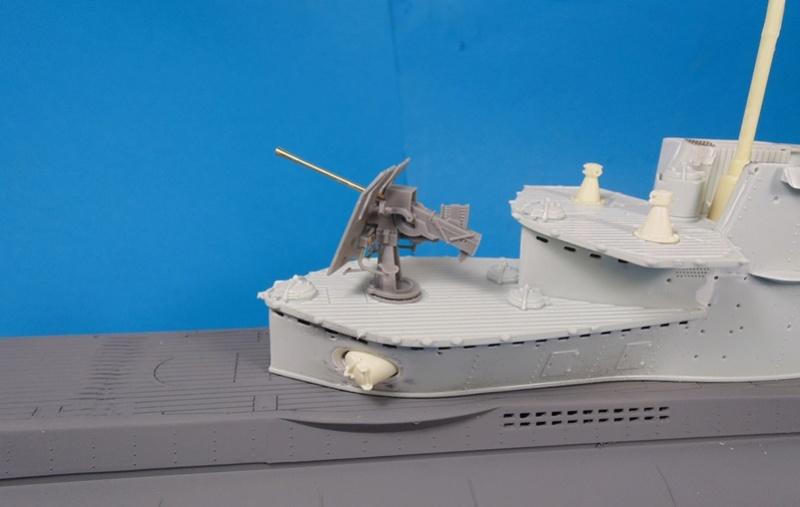 U boat type VII c 41 version atlantique 1/72 revell - Page 2 Dsc03317