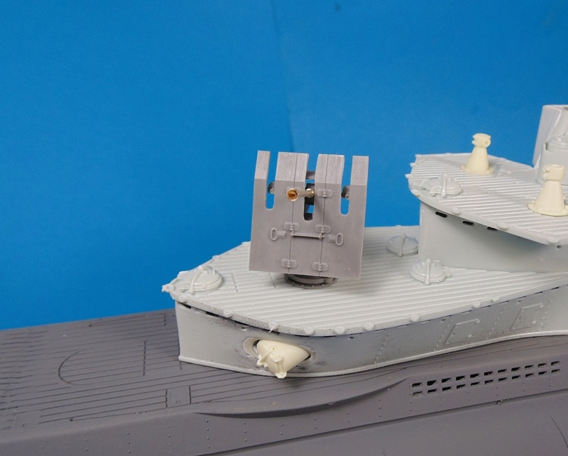 U boat type VII c 41 version atlantique 1/72 revell - Page 2 Dsc03318