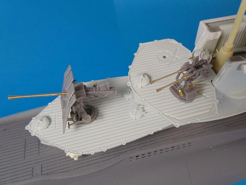 U boat type VII c 41 version atlantique 1/72 revell - Page 2 Dsc03320