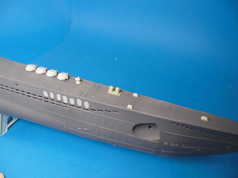 U boat type VII c 41 version atlantique 1/72 revell - Page 2 Dsc03324
