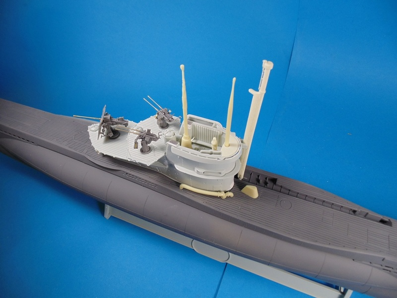 U boat type VII c 41 version atlantique 1/72 revell - Page 2 Dsc03325