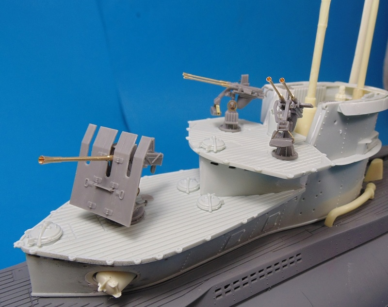U boat type VII c 41 version atlantique 1/72 revell - Page 2 Dsc03326