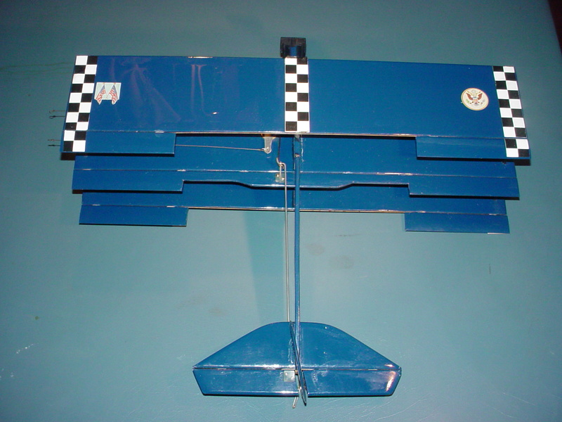 Roddie's Cox-powered triplane Rog_cu16