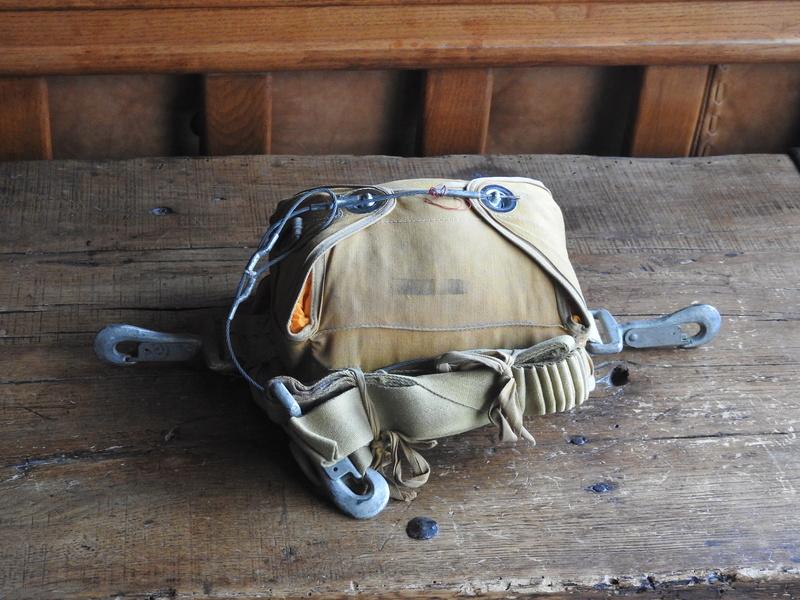 parachute 24 panneaux ventral Dscn1012
