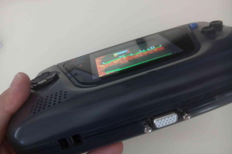 [Vendu] Game gear restaurée et modée avec nouvel écran LCD Inclin11