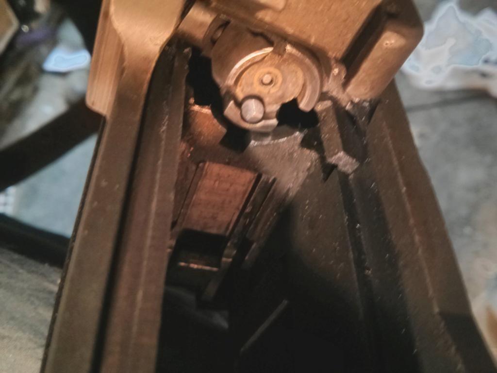 M305 (M14 Norinco) : L'arrêtoir de culasse est inopérant Img_2080
