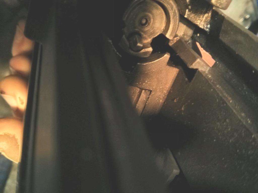 M305 (M14 Norinco) : L'arrêtoir de culasse est inopérant Img_2083