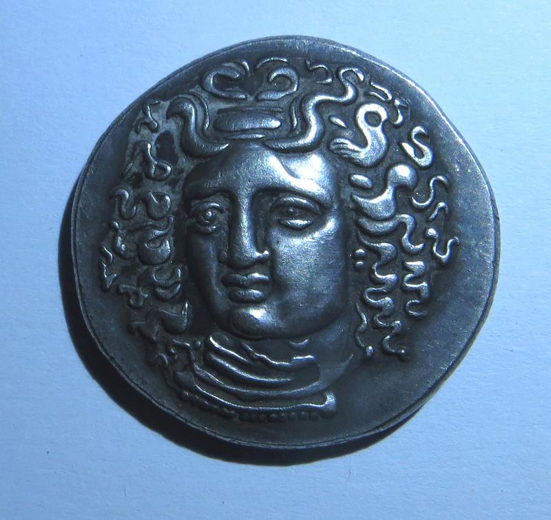 Tétradrachme de Larissa en Thessalie ... vrai ou faux ? Sans_t21