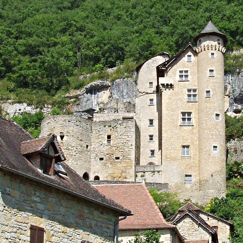 Les châteaux. - Page 2 A_091