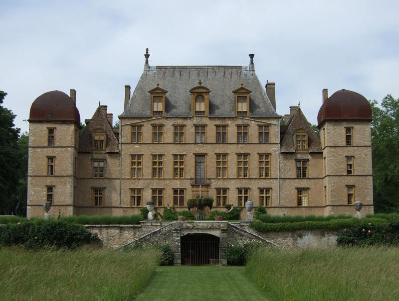 Les châteaux. - Page 2 A_fare10