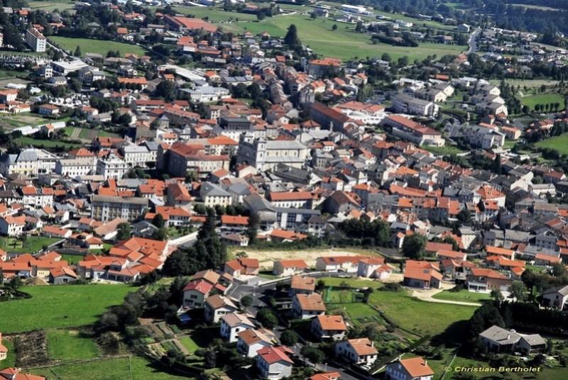 Par ordre alphabétique, des villes et des villages . - Page 14 A_yssi10