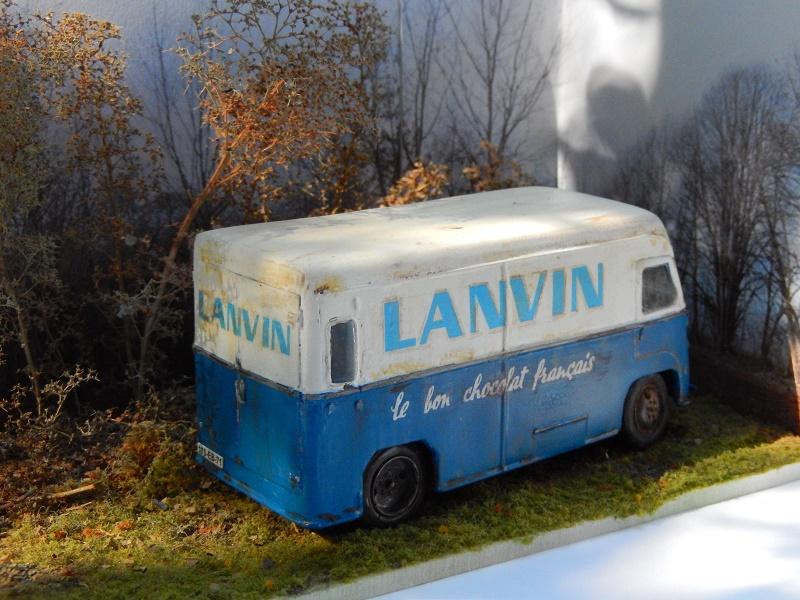 un autre petit carré de chocolat LANVIN ? Dscn2411