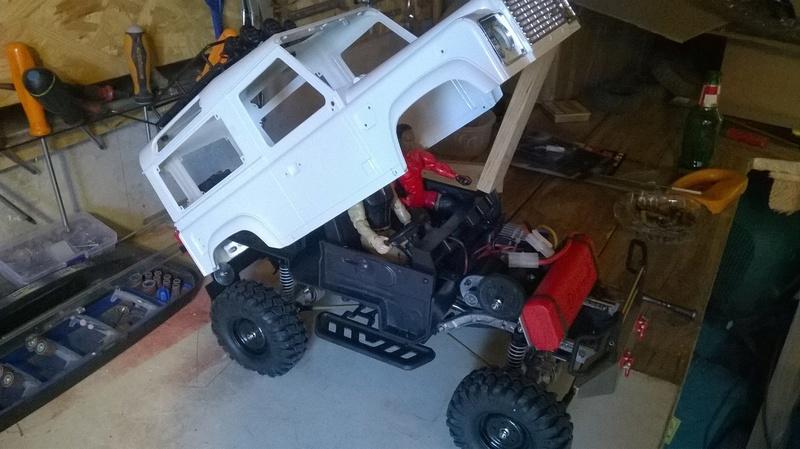 HG P402  Defender 90 pickup + remorque  - Page 2 Wp_20124