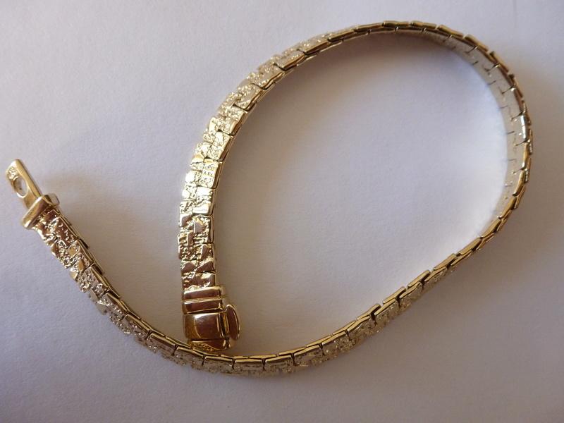 Bracelet semi rigide Plaqué P1020511