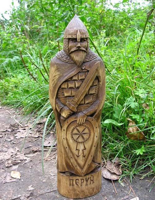 Perun, dieu Slave du tonnerre et des éclairs .  Perun-10