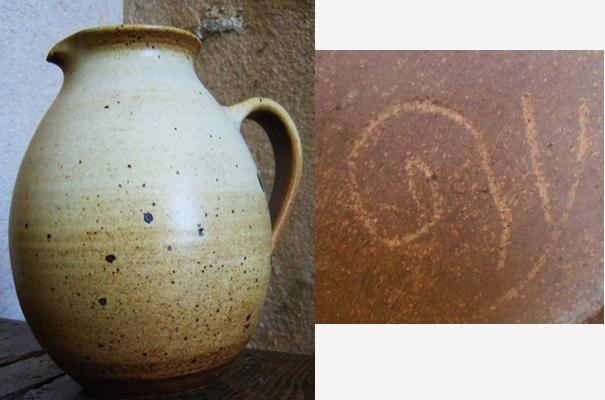 Studio Pottery Vase, Snail mark - Joan Carrillo, Spain  Escar_13